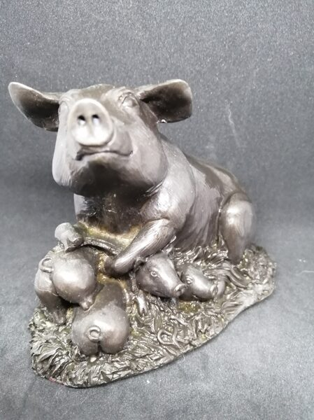 Menton Manor / Heredities Cold Cast Bronze Sow and Piglets